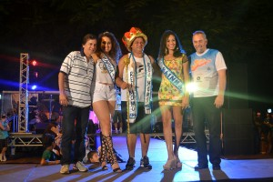 Vitor Abreu (Diretor de Turismo), Elissandra da Costa (Rainha 2015), Manuel Araújo (Rei Momo), Magna Reis (Rainha 2014) e Luis Antônio Benvegnú (Prefeito em exercício)