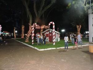Na Praça da Bandeira, a Casa do Papai Noel aguarda sua chegada