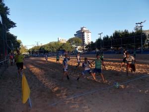 A piazada disputa a bola no Verão Mágico 2017