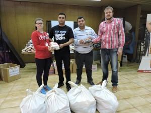Alimentos foram entregues aos representantes da Associação Amigos do Bem